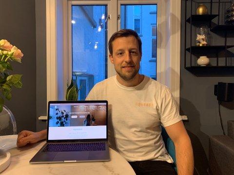 SMØRBLID: Daglig leder Erik Rehbinder er strålende fornøyd med å ha åpnet massasjeklinikk på CC i Drammen.