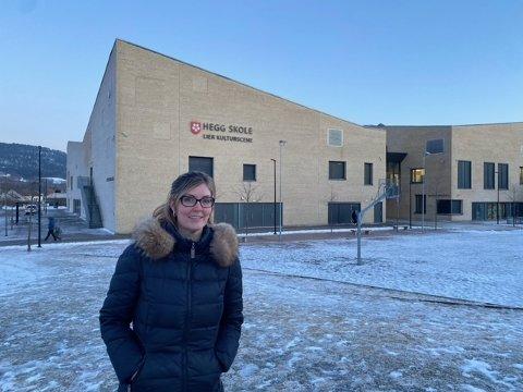 BEKYMRET: Anne-Berit Høydahl Glestad er leder i aksjonsgruppen Nei til vaksinasjonssted på Hegg skole.