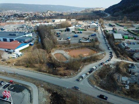 Her kan landets største fengsel bygges. Miletomta i forgrunnen og Ryggkollen i bakgrunnen.
