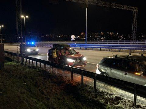 To biler var involvert i en trafikkulykke på E18 søndag kveld.