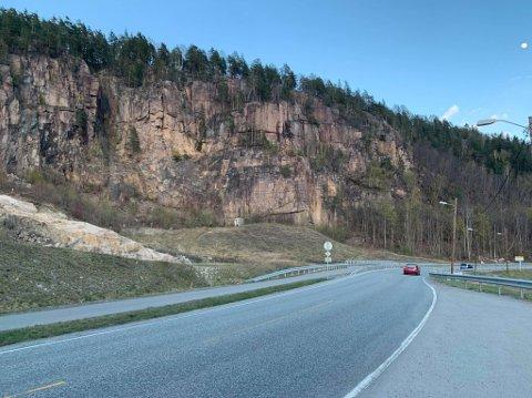 Det var i fjellveggen mellom Gullaug og Lahell at klatringen fant sted lørdag kveld.
