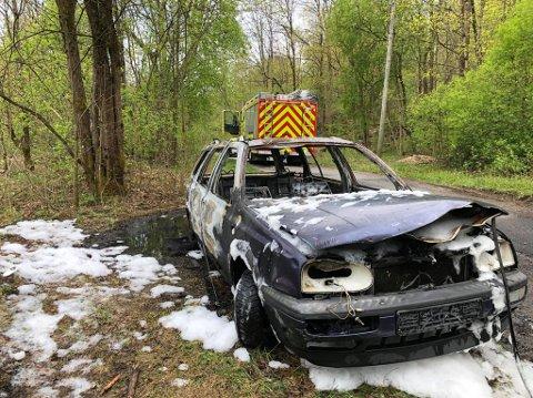 UTBRENT: Slik så bilen ut etter brannen.