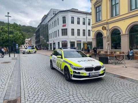 En kvinne skal ha blitt spyttet på inne på Magasinet i Drammen sentrum.