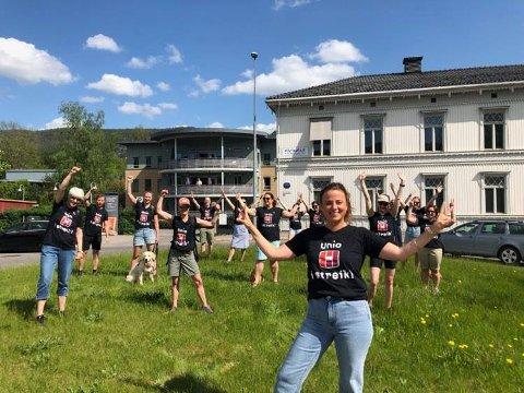 Camilla Gjesmoe er utdanna fysioterapeut og er en av de mindre gruppene som streiker i tillegg til sykepleiere og lærere.