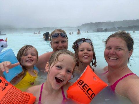 REISEGLAD FAMILIE: I forbindelse med en utenlandstur i september skulle familien Bjerring fornye passene sine forrige onsdag. Det gikk ikke helt etter planen, ifølge familien.
