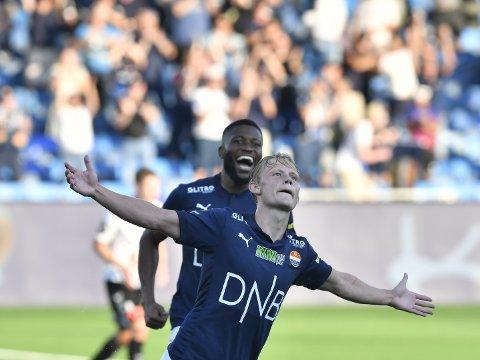 MÅLSCORER: 18-åringen Tobias Gulliksen fra Konnerud noterte seg for sin første tellende scoring i marineblå drakt da han satte inn 2-0 til Strømsgodset etter 57 minutter.