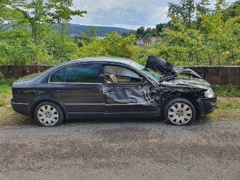 I FJELLVEGGEN: En bil kjørte ut på Berger fredag.