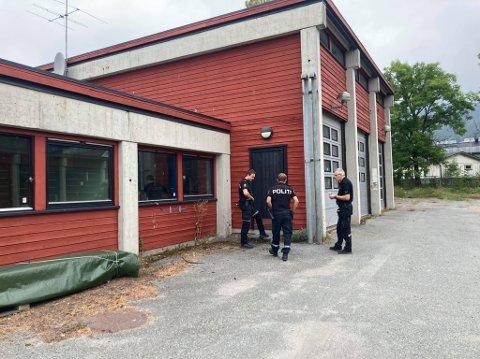 Politiet gjennomførte åstedsundersøkelse på stedet etter innbruddsforsøket.
