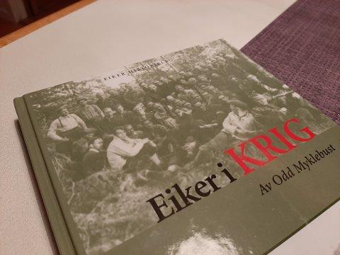 Førsteutgaven av Eiker i krig som kom i 2004. I dag er nyutgivelsen klar for levering og salg.