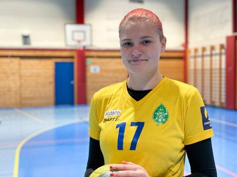 HÅNDBALLSPILLER: Julie Marie Brantzæg spiller håndball for Birkebeineren og har en spennende fremtid i møte.