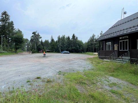 SOLGT: Parkeringen ved MIF-hytta er solgt til Drammen kommune.