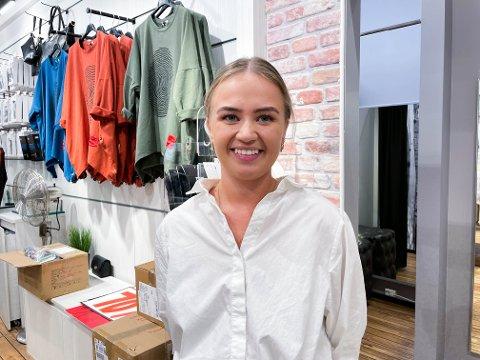 ØVRE EIKER: Øvre Eiker scorer høyt på årets kommunebarometer. Marthe Haugen (21) er storfornøyd med å bo i kommunen.