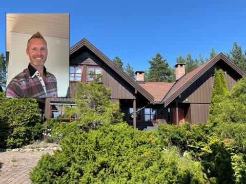 SOLGT: Morten Eriksen (36) fra Mjøndalen valgte å selge huset sitt på Ormåsen uten bruk av megler. Nå er huset solgt for langt over takst.