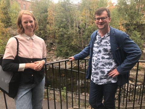 Boliger og næring: Et området ved Vestfosselva skal utvikles med nye boliger og ny næring. Fredag kikket Åshild Yri Aagren i Dark Arkitekter Drammen og Bernt-Egil Tafjord, rådgiver for planavdelingen i Øvre Eiker kommune, på mulighetene.