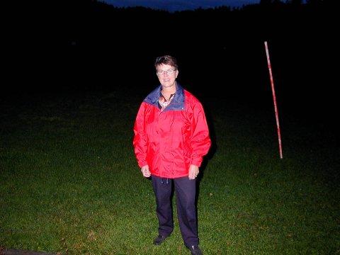 Laila Holmsen gikk nok en gang til topps i konkurransen om å tippe resultatet av kampene til Enebakk/ Drivs herrelag i fotball. Av høstsesongens ti kamper tippet hun ni riktige resultater, og vant dermed et nytt års abonnement på Enebakk Avis.