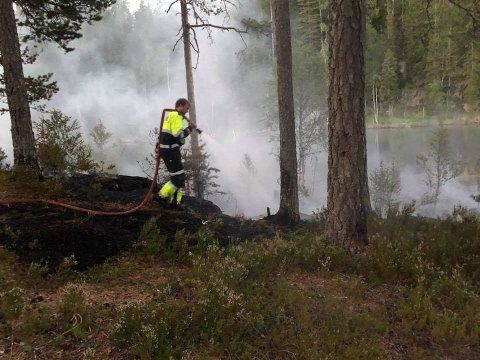 Brannslukkning på Kløftetjern.