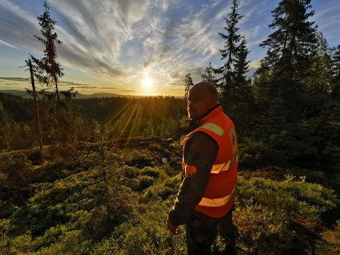 UT I SKOG OG MARK: Som frivillig i Røde Kors er det en fordel å være glad i naturen, men det er også mulighet å hjelpe til på andre områder.
