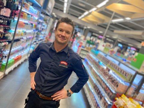 NY MENY-SJEF: Christian Hagen fra Flateby er ny butikksjef for Meny på Ski Storsenter. Han kommer fra samme stilling for Meny på Drøbak City.