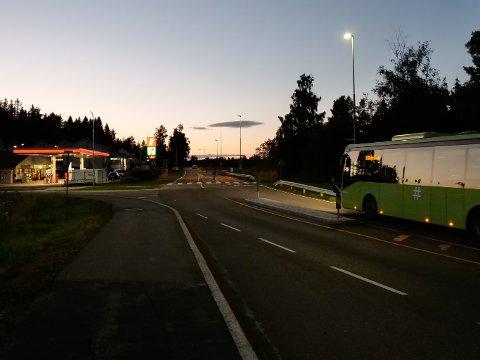 På Flateby blir lysene oppgradet fra litt sør for Flatebyhallen til litt nord for Rud industriområde.