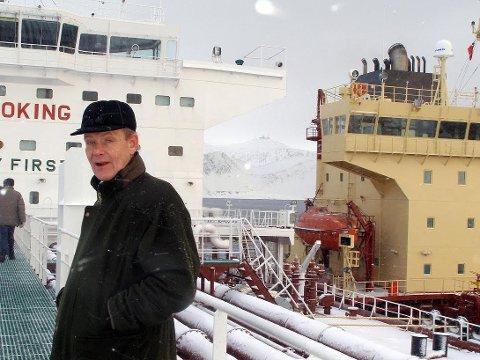 TILBAKE: Ulf Hagen starter omlastinger i Sarnesfjorden i nær fremtid. Nå er alle tillatelser på plass.