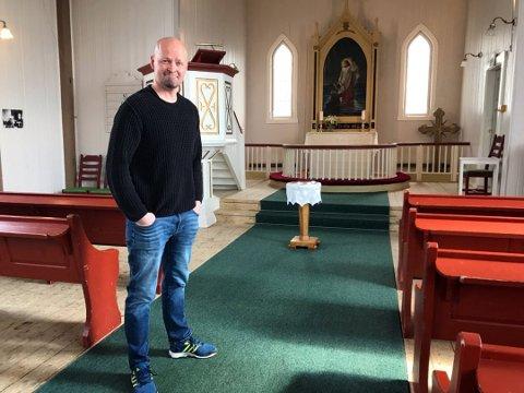 Onar Haugli forteller at han lenge har ønsket å ha utegudstjeneste i Honningsvåg i julen. Han håper mange tar turen opp til Brockmannhaugen i ettermiddag.