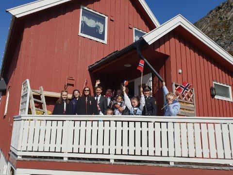 Det er i år Chrisfestivalen som står som arrangører under 17.mai feiringen i Kjøllefjord. De håper at de får med seg mange frivillige for å få dette til. Bildet er fra fjorårets 17.mai i Kjøllefjord.