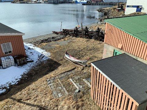 Vil fine eier: Hvem eier denne Nordlandsbåten som ligger ved den gamle Slippen i Storbukt?