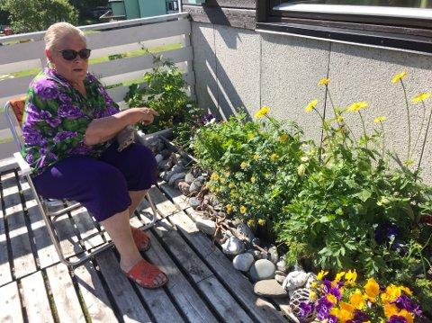 Åse Follerås Samuelsen (79) flytter nå sørover, etter 52 år i Honningsvåg.