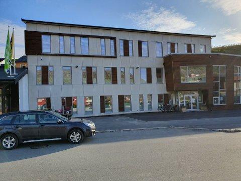 Rådhuset i Lebesby kommune.