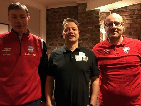 Det er 40 år siden den første sponsoravtalen i det som er blitt det lengste sponsorsamarbeidet som HT&IF har. Dette er Ole Dyrstad, Odd Arne Nilsen og Stig Erling Kristiansen veldig fornøyde med.
