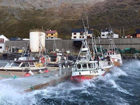Sikkerheten vil bli bedret når en ny molo kommer på plass i Kamøyvær fiskerhavn.