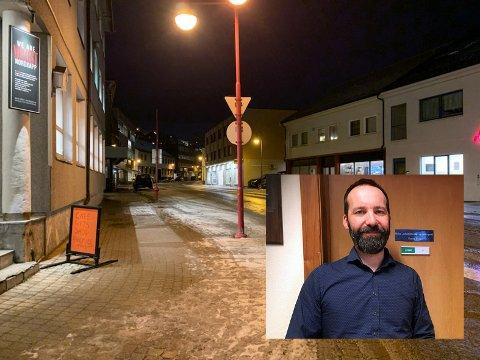 Sektorleder for Helse, rehabilitering og omsorg, Ronny Holm, forteller at de har sett eksempler på at det blir underskrevet med falskt navn og telefonnummer at personer som besøker utestedene i Honningsvåg.