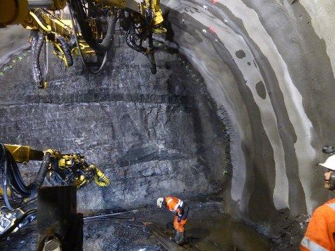 Full stopp i arbeidet med den nye tunnelen. Alle ansatte er satt i karantene.
