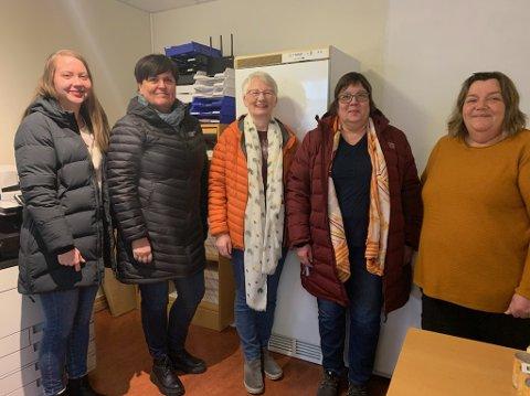 Marie Therkjelsen, Audhild Andreassen, Wenche Andersen, Mariann P. Bårdsnes og Trine Jensen oppfordrer til å ta kontakt med Nordkapp Menighet i tiden før jul.