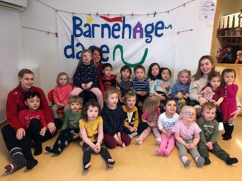 Barna i Skårungen barnehage brukte Den Store Barnehagedagen til å gjøre felles aktiviteter, og kose seg sammen med pizza de hadde laget selv.