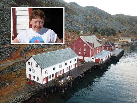 FORNØYD: Avdelingsleder på Foldalbruket i Kjøllefjord er ganske så glad for tiden. Bildene er tatt ved tidligere anledninger..