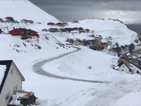 Ny-veien i Seppoladalen får nå gatelys.