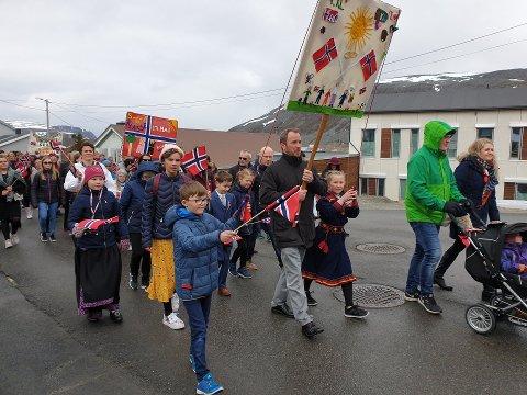 TOG: Bildet er ikke fra Lebesby, men fra feiringen i Kjøllefjord 17. mai i 2019.