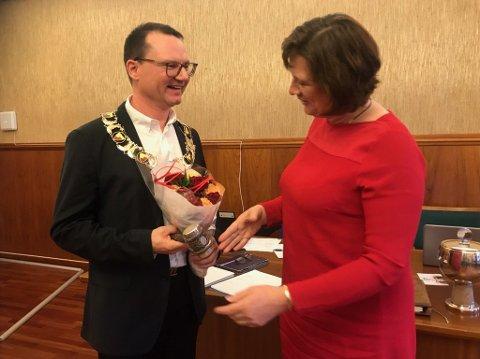 Nåværende ordfører og tidligere ordfører i Nordkapp kommune. Bildet er tatt etter kommunestyrevalget i 2019.