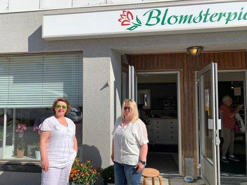BlOMSTERPIA: Bjørg Olsen og Gøril Wagelid tar ikke lengre ferie når det er arbeid som skal gjøres.