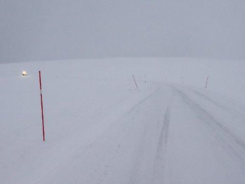 VEIENE ÅPNES: De fleste av veiene i våre områder er i ferd med å åpnes etter flere dager med uvær og snøskred.