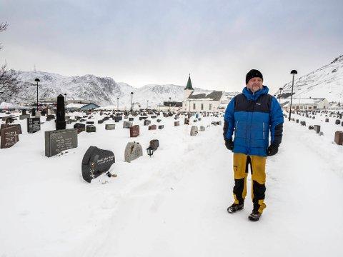 MYE NYTT: i sitt første år som kirkeverge i Nordkapp menighet, har Reidar Johansen hatt mye å henge fingrene i, ikke minst med kirkene og gravlundene i kommunen.