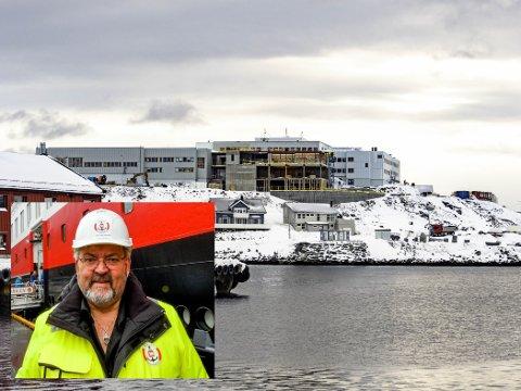 UTSETTELSE: Styreleder Per-Åge Hansen og resten av styret i Nordkapp maritime fagskole, vil utsette skolesammenslåingen til etter høstens stortingsvalg.