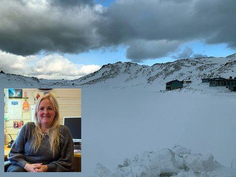 Nå er det vinter og is og snø, men her kan det bli riktig så flott og et samlings- og rekreasjonssted for alle mener initiativtaker Kristin Olsen.