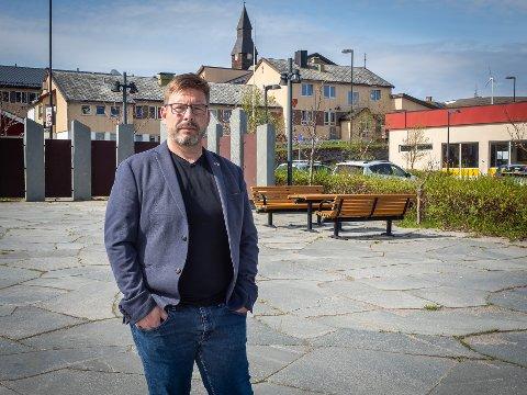 KJEDELIG OG FORNUFTIG: Selv om Måsøy kommune kan glede seg over fem millioner kroner mer utbetalt fra Havbruksfondet i 2021, planlegger ikke ordfører Bernth R. Sjursen noen fremtidige overdådigheter. 1/4 går til næringsutvikling, resten settes på fond.