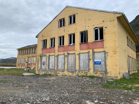 Solvang internat på Sarnes kommer nå for salg.
