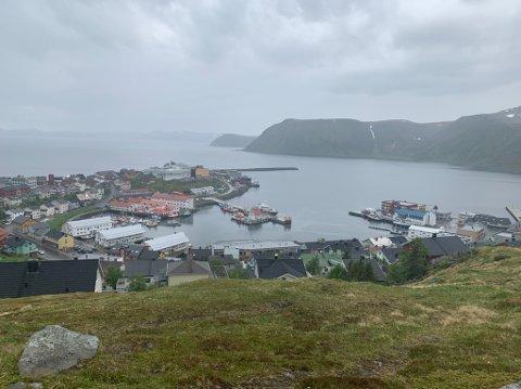 GRÅTT: Det blir gråvær i helga med gløtt av sol enkelte plasser, forklarer vakthavende meteorolog Geir Bøyum.