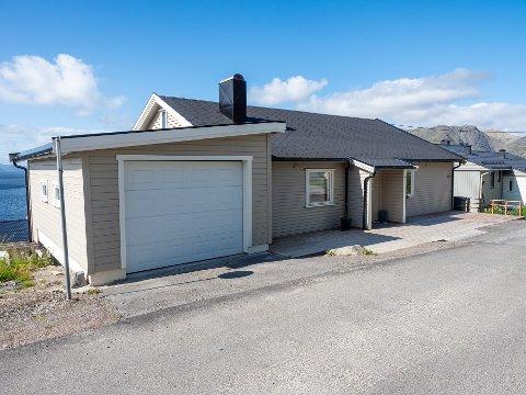 SOLGT: Dette huset i Prestheia i Honningsvåg, er blant de solgte eiendommene de siste ukene