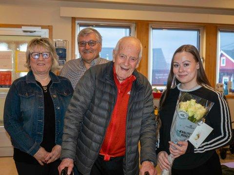 HØRSELHJELP: Thor Tuv var audiograf Marte Anti (t.h) sin første pasient i Honningsvåg. Arnhild Bjerkan og Bernt-Aksel Jensen i Hørselshemmedes landsforbund i Nordkapp er svært fornøyd med at tilbudet nå er på plass.
