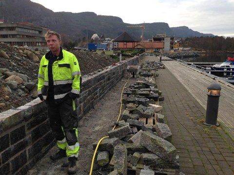 Jostein Eimhjellen vil ha størst mogleg trafikk gjennom Svelgen og kortast mogleg veg til Førde og Eid.